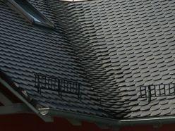 Dach mit Ziegeln des Typs Braas Opal Biberschwanz